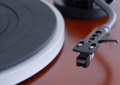music hall mmf-1.5 turntable with melody cartridge