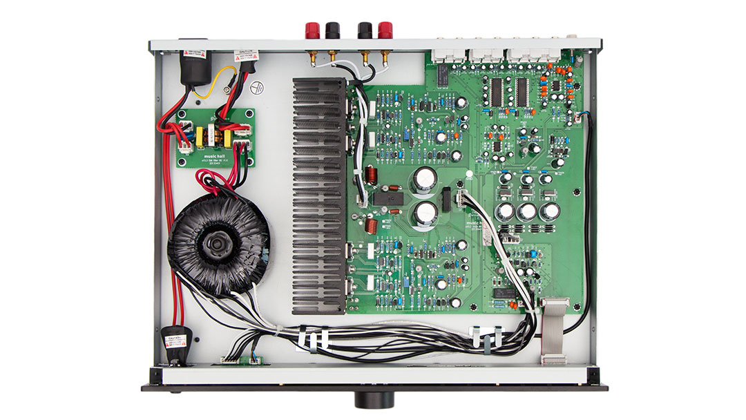 a15 3 integrated amplifier with phono preamp by music hall audio