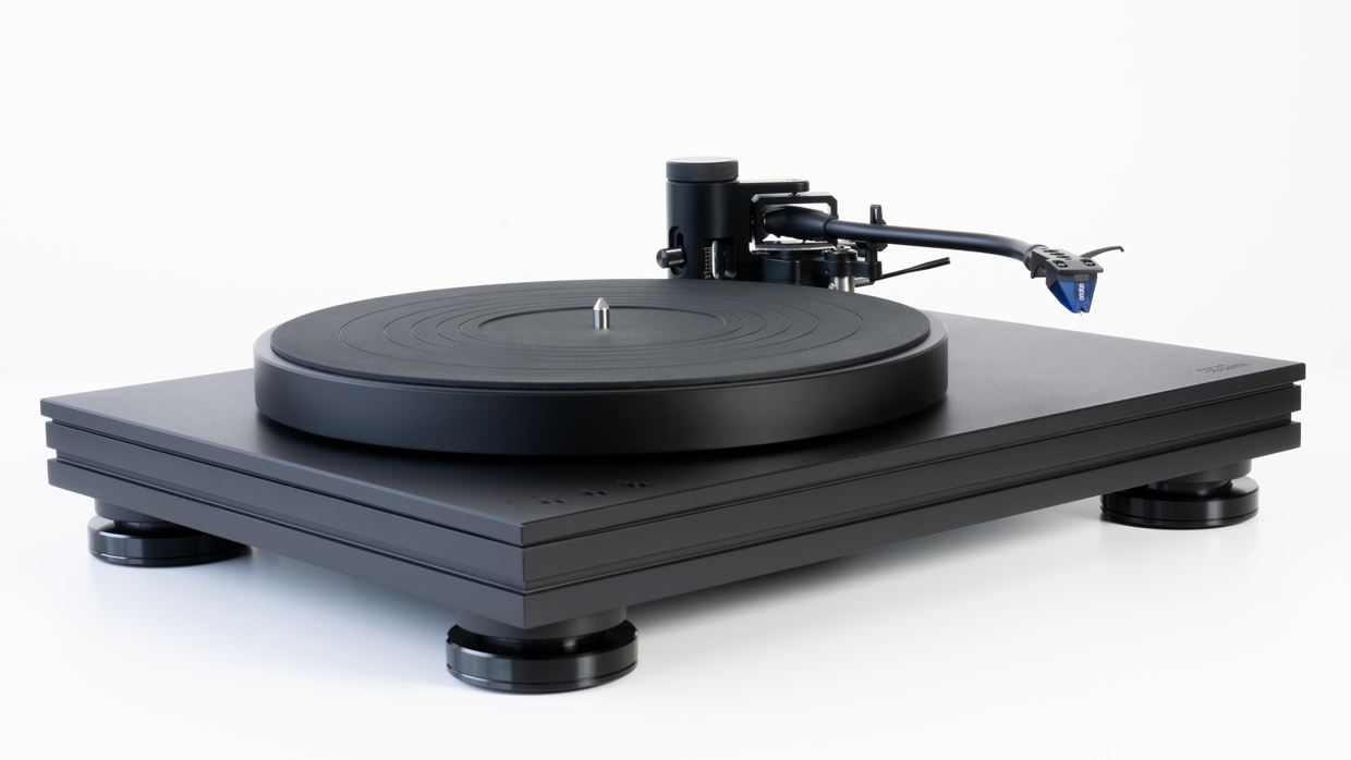 music hall stealth turntable 3/4 view
